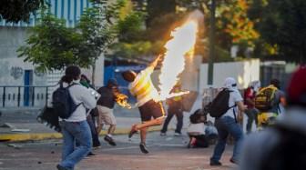 Resultado de imagen para venezuela guarimba