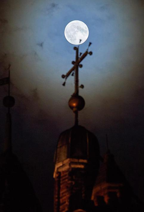 Vista desde la iglesia St. Mary en Gdansk  en Polonia.