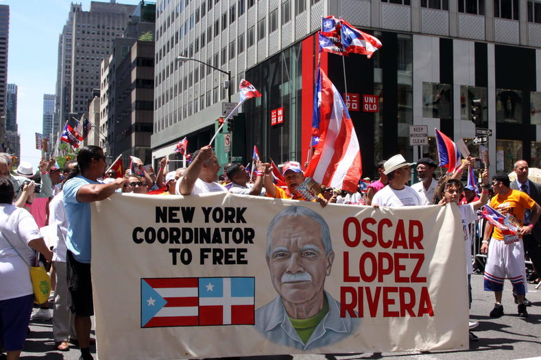 In New York, hundreds of people gather during the National Puerto Rico parade to demand freedom for the independentista.