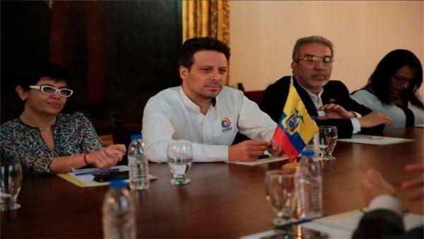 Long calificóde valiosas las relaciones bilaterales entre Venezuela y Ecuador.