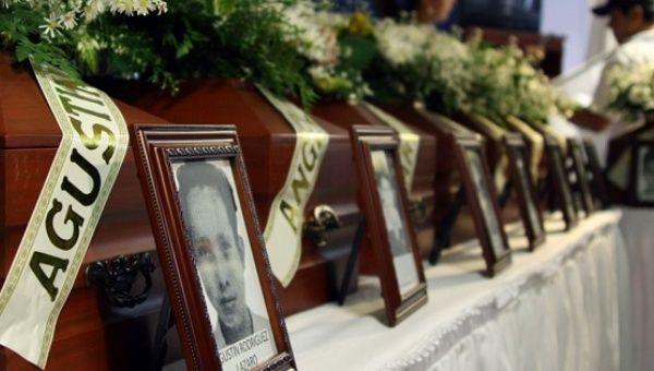 Ceremonia de las víctimas de la derechista AUC paramilitares de Colombia en Cúcuta, Colombia.  de julio de 2010