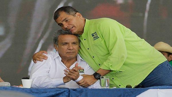 El informe recuerda que entre 1996 y 2006 Ecuador tuvo ocho presidentes distintos debido a la inestabilidad política.