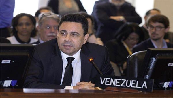 Samuel Moncada rechazó las amenazas a países miembros de la OEA por su apoyo a Venezuela.