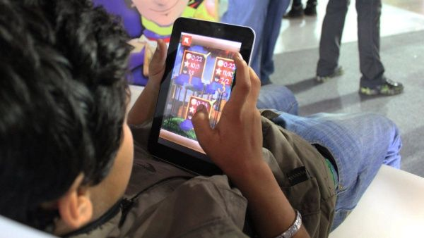 Los niños han disfrutado del juego, en el cual aparecen héroes de la independencia venezolana.