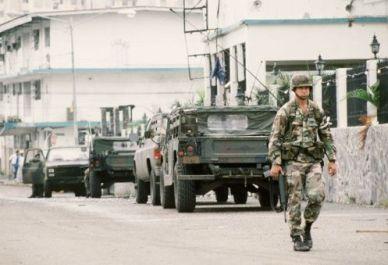 """El Gobierno de George Bush (padre) ejecutó la llamada """"Operación Causa Justa"""" de 1989 en la que utilizó 26 mil soldados."""