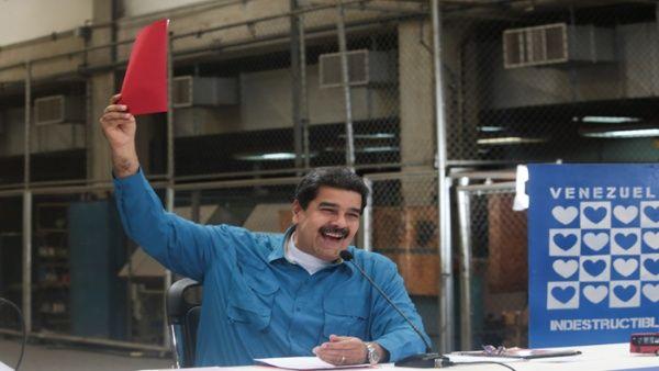"""""""Convoco a todo el pueblo de Venezuela a las calles el martes 23 de mayo, con una bandera tricolor de la paz, de la tolerancia, del amor"""", dijo Maduro."""