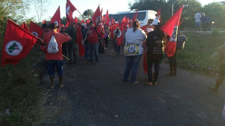 The MST has accused Senator Ciro Nogueira of curruption and his land has been occupied by the group.