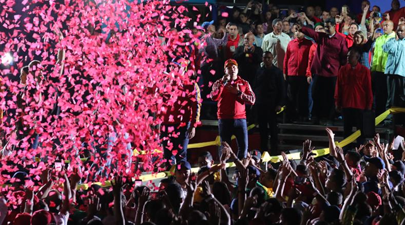 Maduro agradeció a los presentes el apoyo y la confianza al ser reelecto como presidente para un nuevo periodo que será desde 2019-2025.