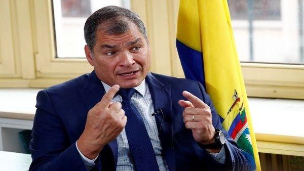 El expresidente Correa apuntó que la mejor salida a este conflicto es la respuesta democrática, que se adelanten elecciones y que el pueblo vote.  Correa rechaza acusaciones de Moreno: los golpistas son ellos-VerdadDigital.com-