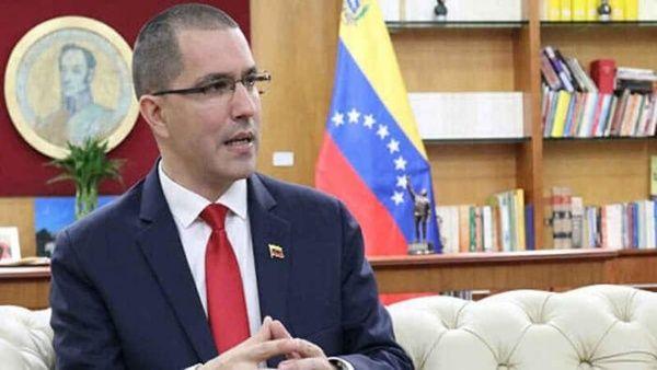 """El canciller Arreaza acompañó el mensaje con una misiva dirigida a Guterres en la que le solicita """"urgentes gestiones y buenos oficios"""" ante las autoridades de Brasil."""