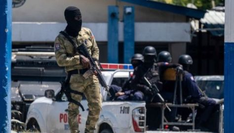 """La policía haitiana había emitido una orden de búsqueda del colombiano por su participación en """"los ataques que condujeron al asesinato del presidente"""" el 7 de julio."""