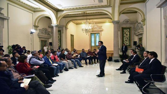 Al encuentro también acudieron miembros de la Coordinadora Nacional de Trabajadores de la Educación (CNTE).