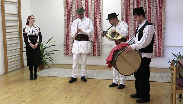 A Hárompatak zenekar, Komárom
