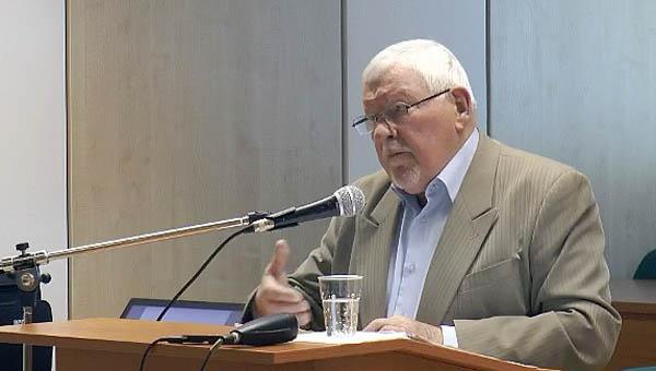 Miroslav Kusý professzor