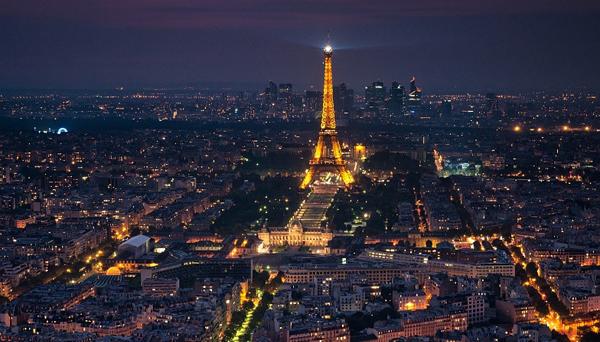 Párizs látképe az Eiffel-toronnyal Foto: Indafoto