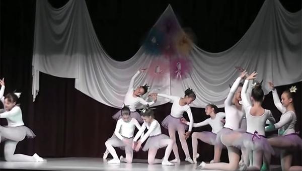 Haraszti Balettiskola Évzáró 2013 - Virágok Keringője