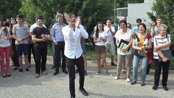 A Dr. Tóth Árpád vezette közönségcsalogató