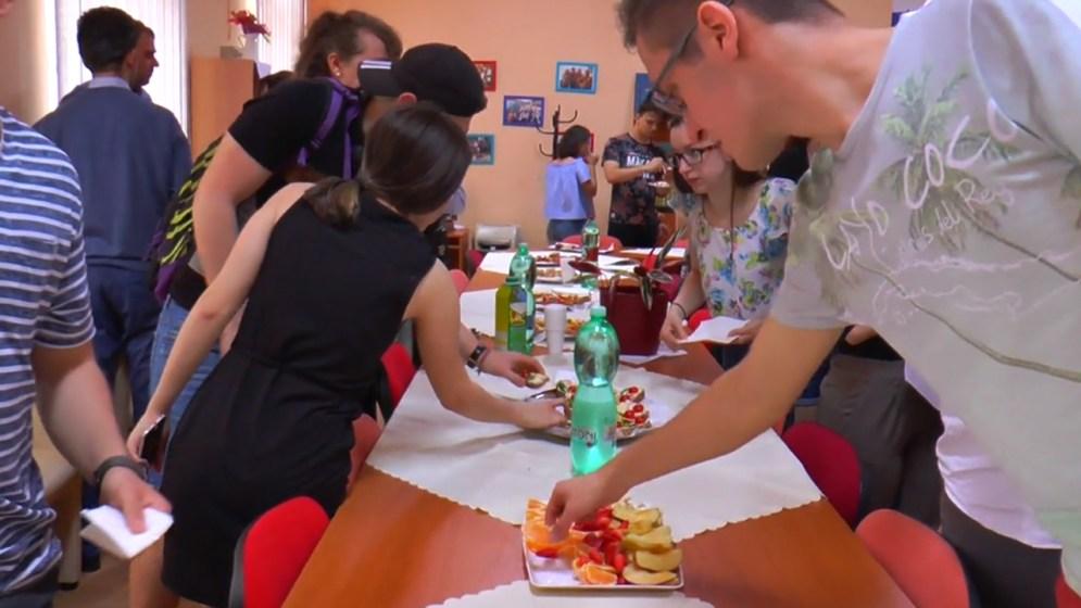 Ételkóstoló a Duna utcai environmentális napokon