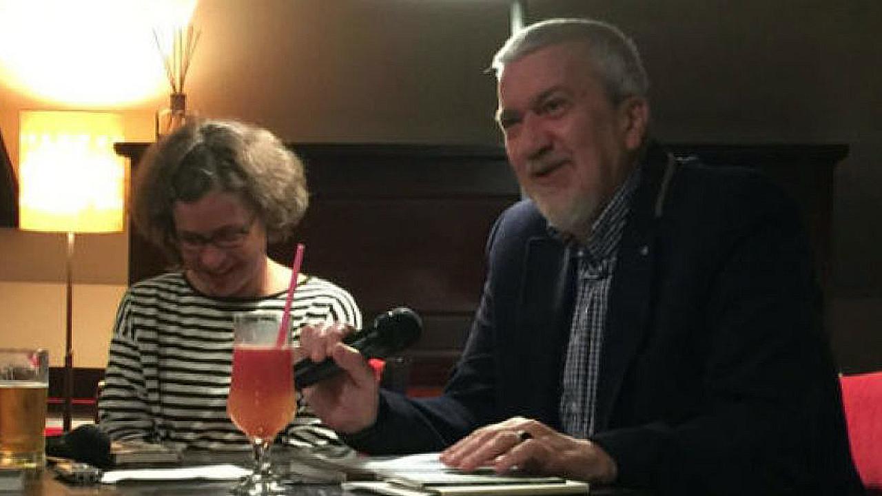 Egyed Péter a kolozsvári Bulgakov Kávéházban