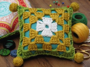 d.i.y crochet kit for a granny square pincushion
