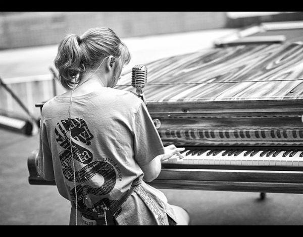 taylor swift piano