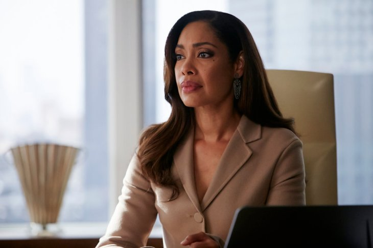 """SUITS -- """"The Hand That Feeds You"""" Episode 609 -- Pictured: Gina Torres as Jessica Pearson -- (Photo by: Ian Watson/USA Network)"""