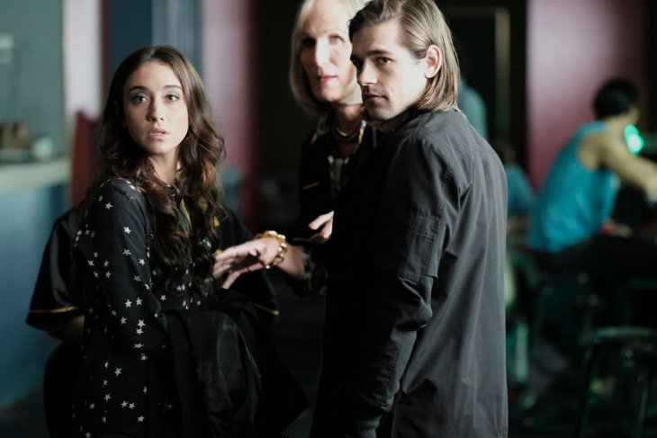 """THE MAGICIANS -- """"The Rattening"""" Episode 211 -- Pictured: (l-r) Stella Maeve as Julia, Jason Ralph as Quentin -- (Photo by: Eike Schroter/Syfy)"""