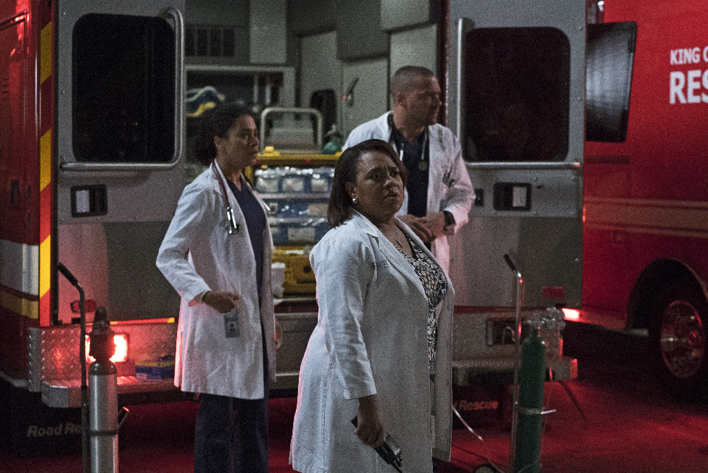 Grey's Anatomy Season Finale Review: Ring of Fire (Season 13 Episode 24)