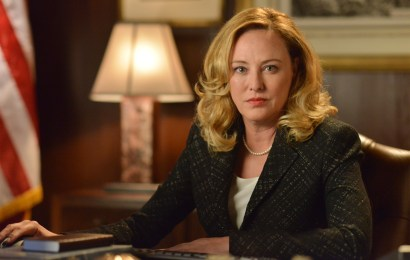 """DESIGNATED SURVIVOR - """"The Enemy"""" - Kirkman learns who is behind the attack and needs to grapple not only with the prospect of war, but brewing domestic troubles as well. Kirkman taps Emily to monitor the domestic situation, while Alex may be in for more than she bargains for when she seeks out help from Hookstraten, on ABC's """"Designated Survivor,"""" WEDNESDAY, OCTOBER 12 (10:00-11:00 p.m. EDT). (ABC/Sven Frenzel)"""