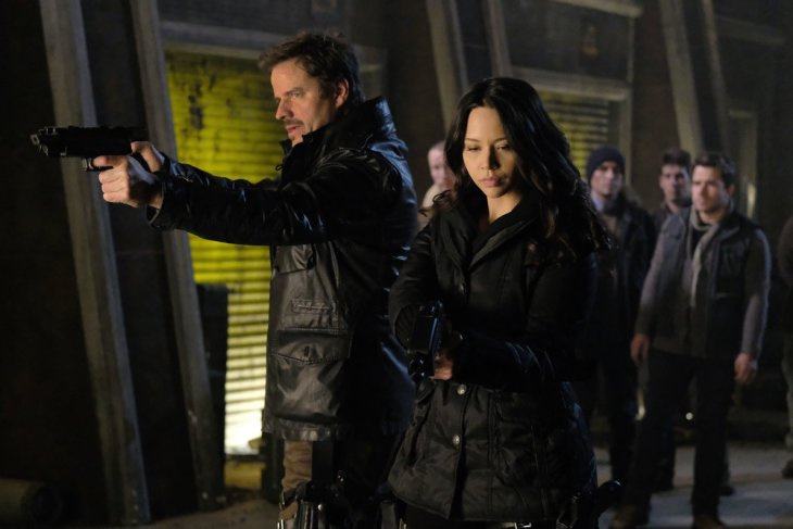 "DARK MATTER -- ""Welcome To The Revolution"" Episode 303 -- Pictured: (l-r) Anthony Lemke as Three, Melissa O'Neil as Two -- (Photo by: Stephen Scott/Dark Matter Series 3/Syfy)"