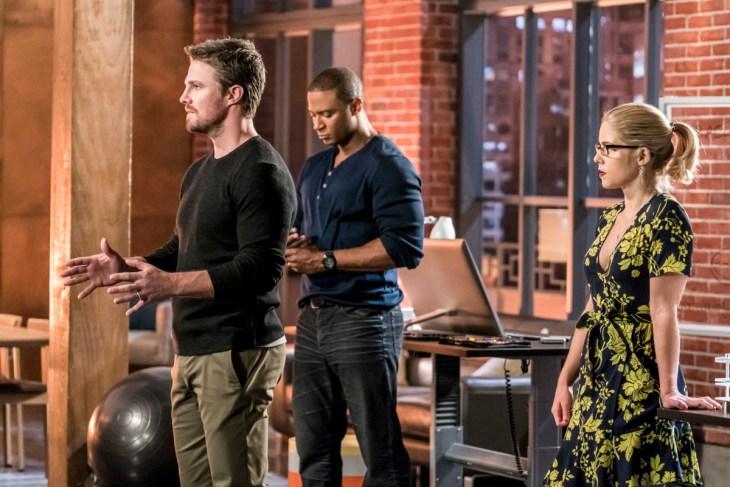 Arrow Season 6 Episode 10, Divided