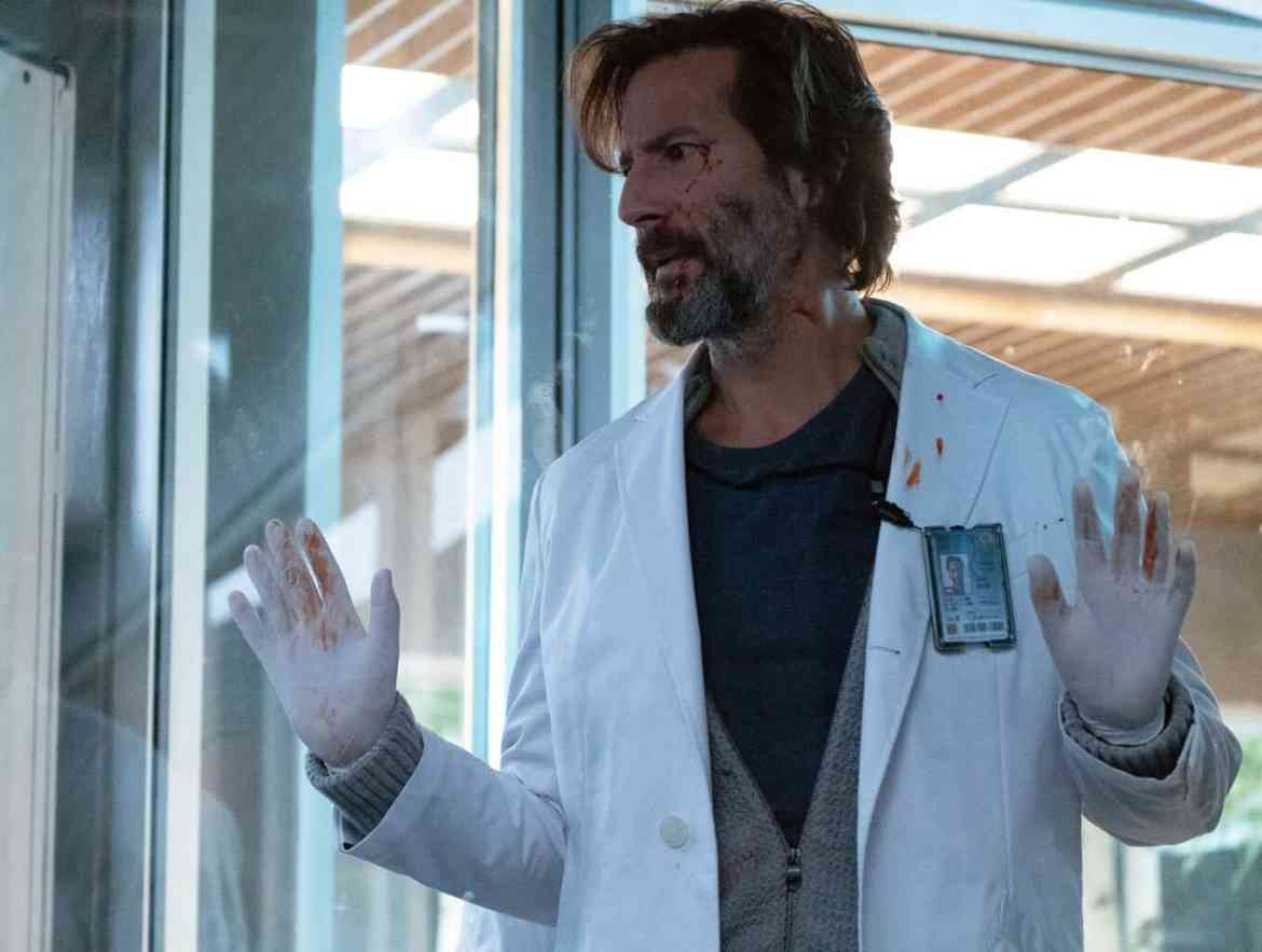 The Passage Season 1 Episode 4: Who's Blood Is That - Henry Ian Cusick as Jonas