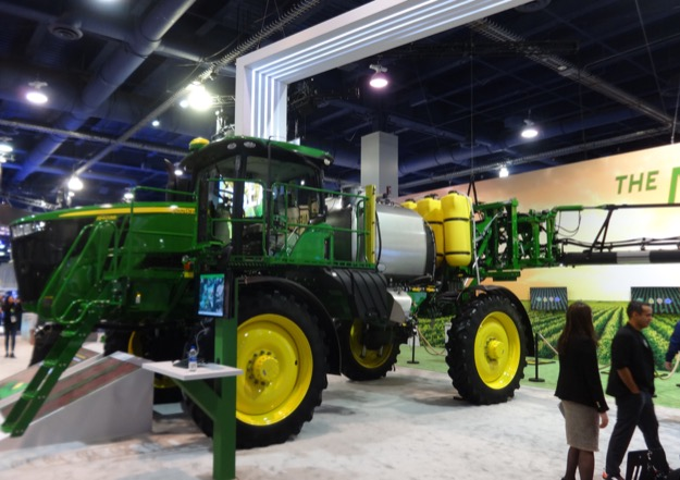 John deere booth ces 7jan2020