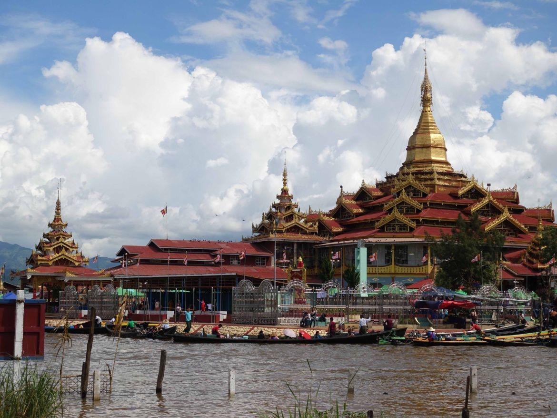 Pagoda Phaung Daw Oo, Lago Inle, Myanmar