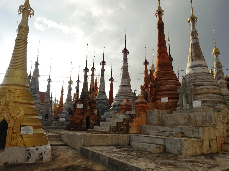 Indein estupas, Lago Inle, Myanmar