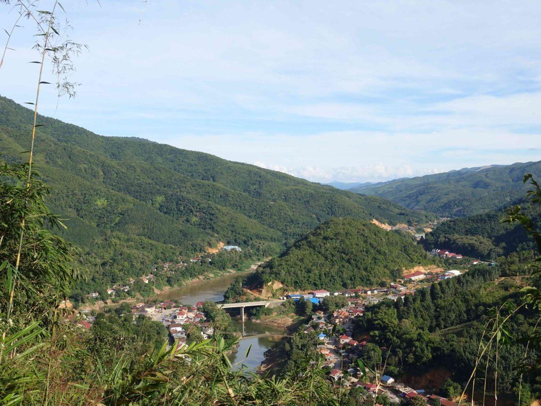 """""""Mirador"""" en Muang Khua, Laos"""