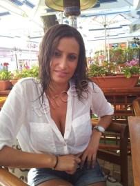 TANIA (22)