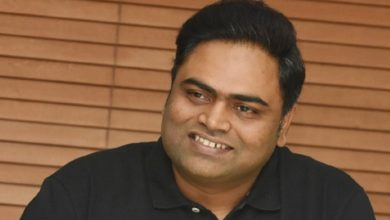 Vamshi Piadipally planning his next with the Rowdy actor?