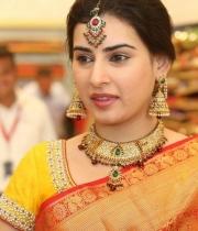 archana-beautiful-saree-photos3