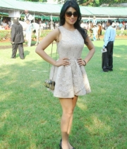 shriya-saran-mini-skirt-hot-photos-10-685x1024
