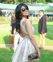 shriya-saran-mini-skirt-hot-photos-2-685x1024