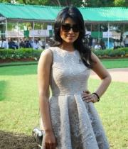 shriya-saran-mini-skirt-hot-photos-4-685x1024