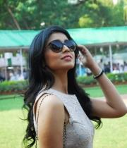 shriya-saran-mini-skirt-hot-photos-5-685x1024