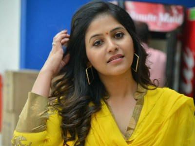 Telugu Actress Anjali Says She Is Not Interested In Bollywood
