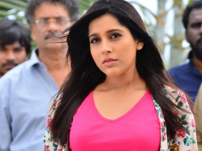 anchor rashmi angry on rapists says must be chopped
