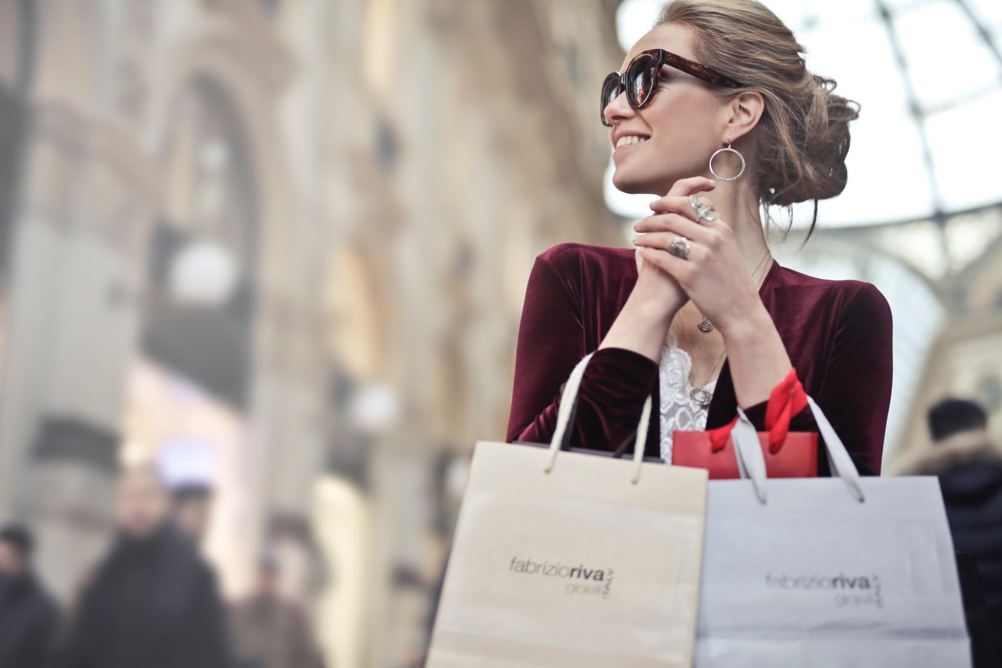 Promotora para perfumería de lujo para Barcelona