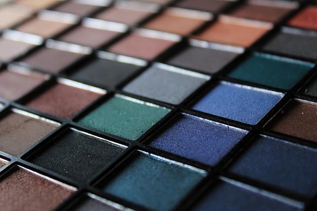 Maquilladores/vendedores de perfumería para Bcn