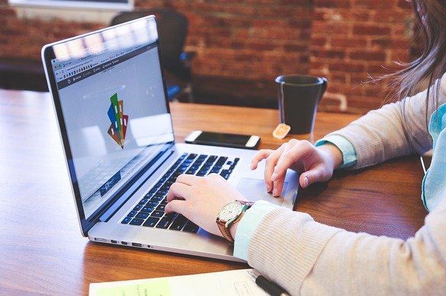 Cómo enfrentarse a una entrevista de trabajo online