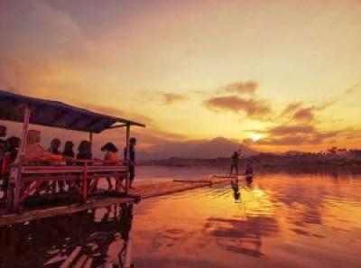 Objek wisata Situ Bagendit Garut