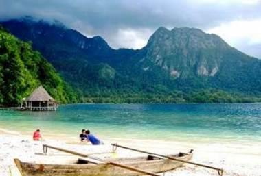 Pantai Ora Ambon